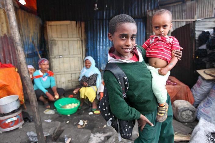 Kinderen op straat Adis Abeba